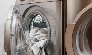 La lavatrice è meglio con la carica frontale o dall'alto?